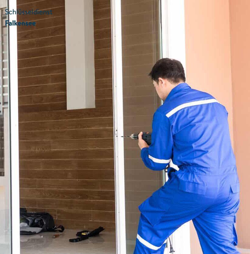 Tür wird repariert